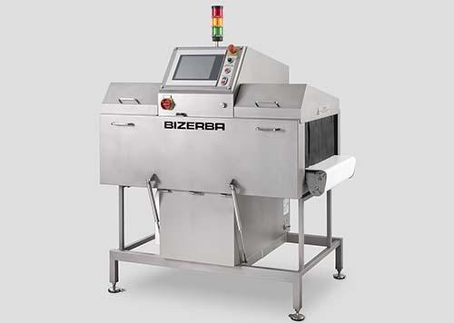 Das End-of-Line-Inspektionssystem XRE-D bietet maximale Sicherheit: Es erkennt dank Röntgentechnologie Verunreinigungen und Fehler in Produkten und Verpackungen