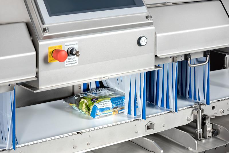 Der modulare Aufbau des Röntgenscanners RAYCON D+ ermöglicht eine schnelle, unkomplizierte und kostentransparente Anpassung an die jeweilige Applikation (hier im Beispiel: Untersuchung von verpacktem Salat).