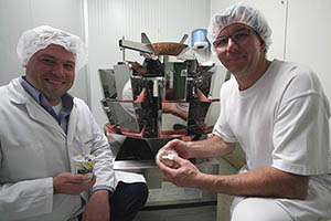 Mario Dux, Betriebsleiter Molkerei Biedermann, und Christian Lemmermeier, Teamleiter Molkerei Biedermann