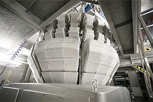 Einsatz in eiskalter Umgebung: Die Mehrkopfwaage CCW-RV in der Frosta Produktion