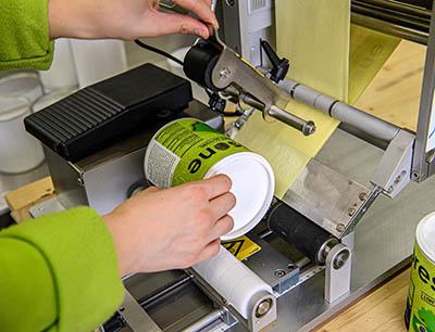 Die Geset 141 eignet sich zur Etikettierung von Produkten mit Durchmessern von mindestens 15 und maximal 155 Millimetern.