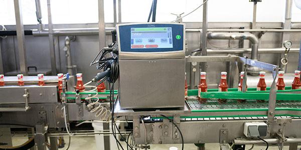 Linx 8920 Drucker hält hohen Produktionsgeschwindigkeiten stand und ist dabei prozesssicher