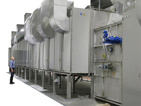 Kontinuierliche Bandtrocknung konzipiert der Trocknungsanlagenbauer Harter auch in größeren Dimensionen