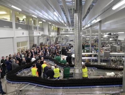 50.000 Flaschen werden in Bitburg pro Stunde abgefüllt