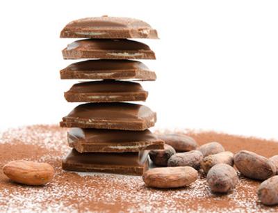 Gefüllte Schokoladentafeln, Bild: fotolia/ emuck