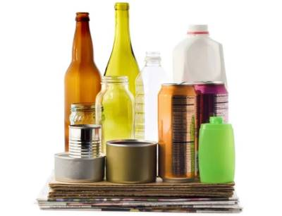 Kein anderes Thema beschäftigt die Hersteller von Getränken im Moment so sehr, wie die Wahl des Materials, aus dem die Flaschen bestehen sollen