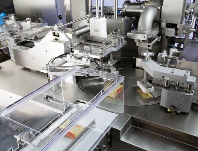 Die Einschlagmaschine Multipack 2000 ist beim Butterhersteller Agral im Einsatz