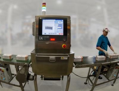 Die Verpackungslinie mit dem neuen Röntgenprüfsystem IX-GA 4075