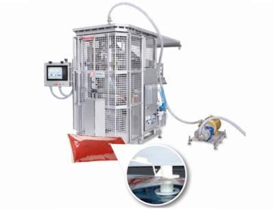 Rovema BVC 310 Liquid für das Verpacken von Flüssigkeiten. Die Schlauchbeutel können ab sofort auch mit Fitment versehen und so in Portionsspendern eingesetzt werden