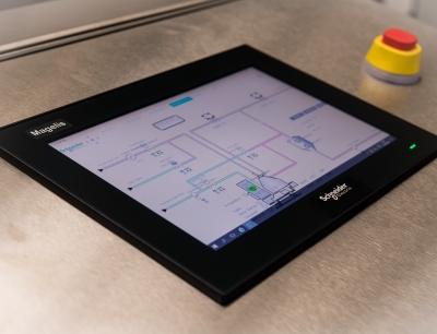 """Für Maschinenbauer und Systemintegratoren in den Bereichen CPG, Pharmazie und Logistik ist der Ecostruxure Automation Expert ein """"Game-Changer"""""""