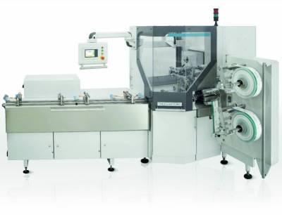 Die Verpackungsmaschine CWM2 für Schokoladenprodukte realisiert eine Vielfalt von Faltarten