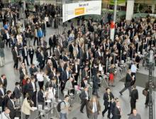 Eingang West: rund 67.000 Besucher aus aller Welt besuchten die Drinktec 2013