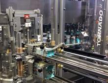 Heuft semi-modulare Etikettiermaschine mit Nassleim-, Selbstklebe- und Rundum-Etikettierung in einem Gerät