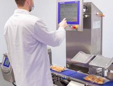 Washdown-fähige, kombinierte Inspektionssysteme vereinen Kontrollwäge- und Metallsuchtechnik
