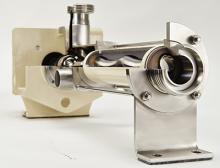 Das Exzenterschneckenprinzip basiert auf Förderkammern zwischen Rotor und Stator, in denen das Medium gleichmäßig und damit dosierreproduzierbar genau  wird. Für eine einfache Reinigung ist die Pumpe zudem totraumfrei konstruiert