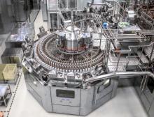 Die neue aseptische PET-Komplettanlage im Werk von Nongfu Spring in Xin'anjiang (Ostchina) produziert 36.000 Flaschen pro Stunde